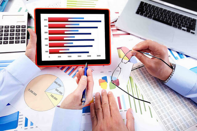 advantages of manual accounting system