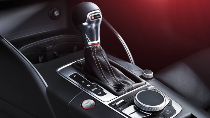 how to drive a manual car smoothly